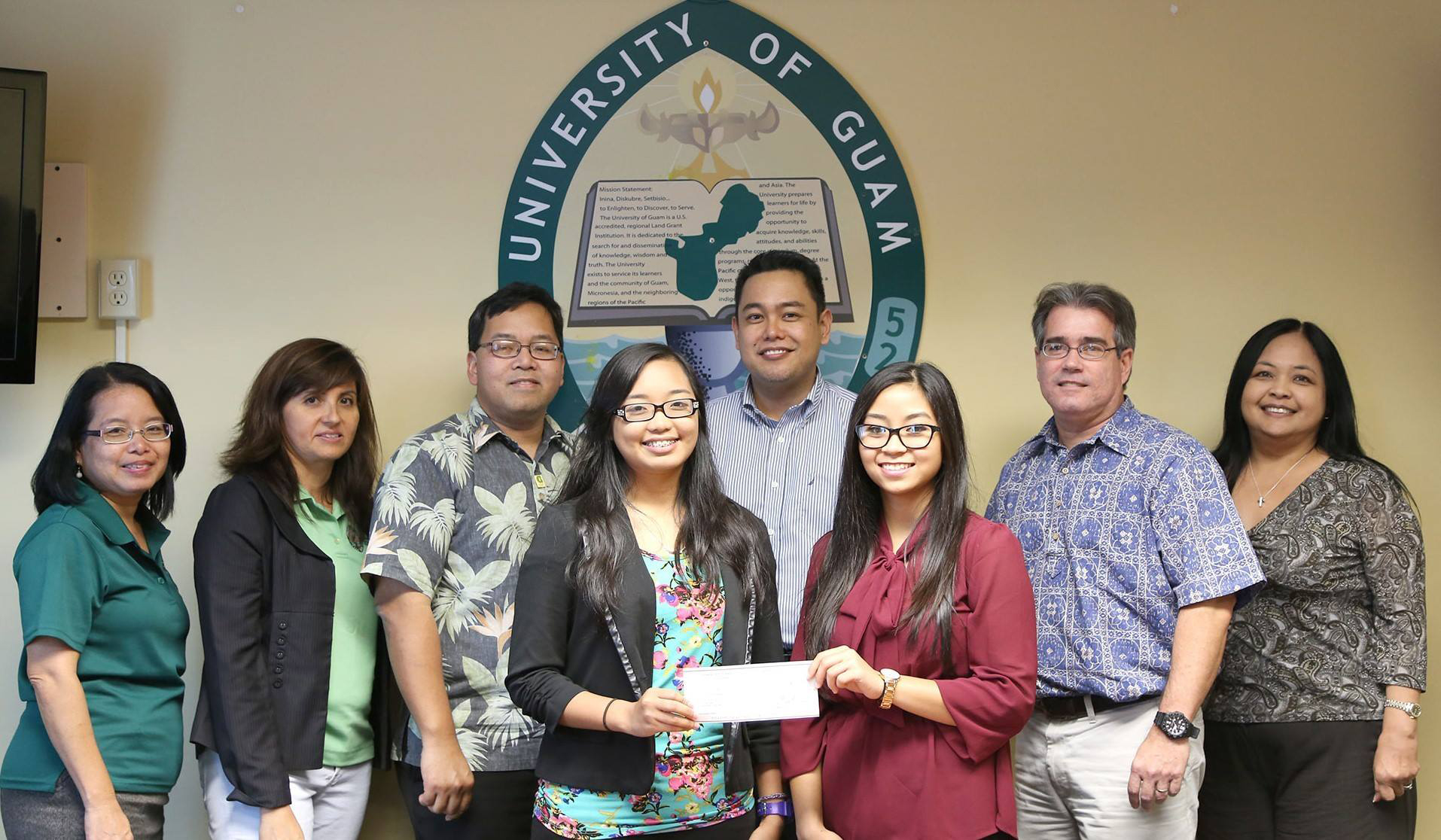 Students Recieve Accounting Scholarship