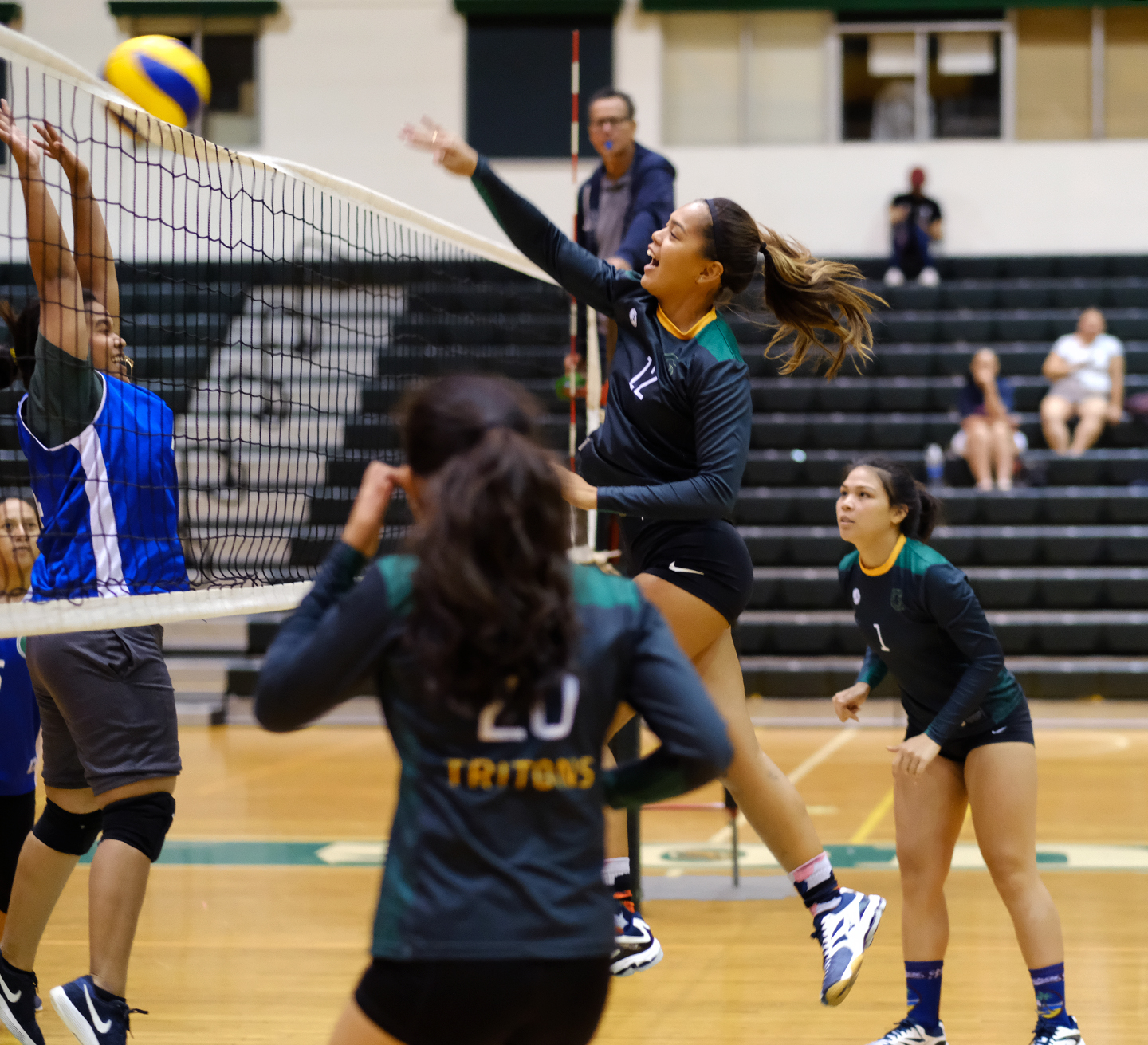 The University of Guam Varsity Volleyball Team made short work of the UOG Recreation Department Volleyball Club Team, the Tridents, on Monday night at the UOG Calvo Field House in a Guam Women's College Volleyball League match, as the Tritons won 3-0, 24-14, 25-12, 25-13.