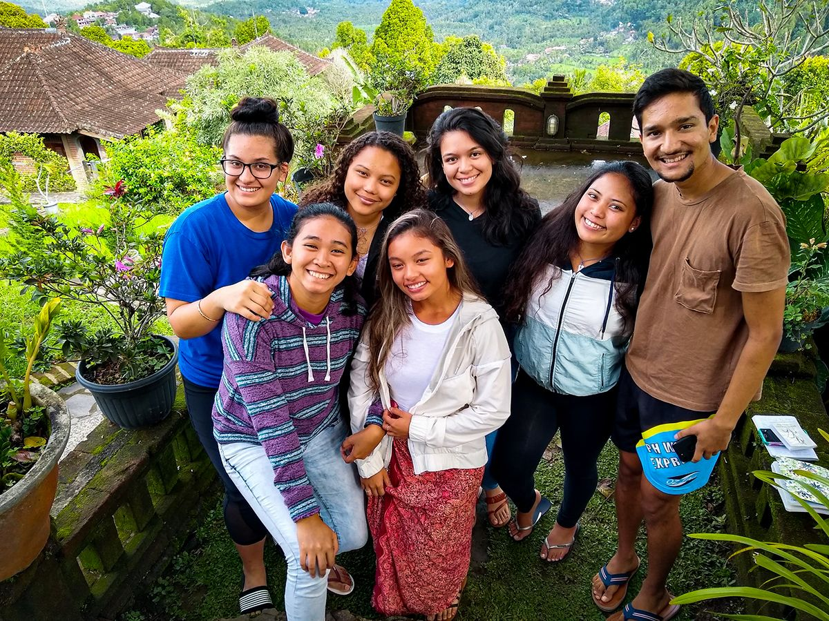 Students who attended UOG's Bali Field School