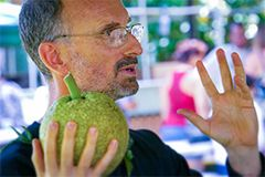 Craig Elevitch conducts a training on breadfruit.